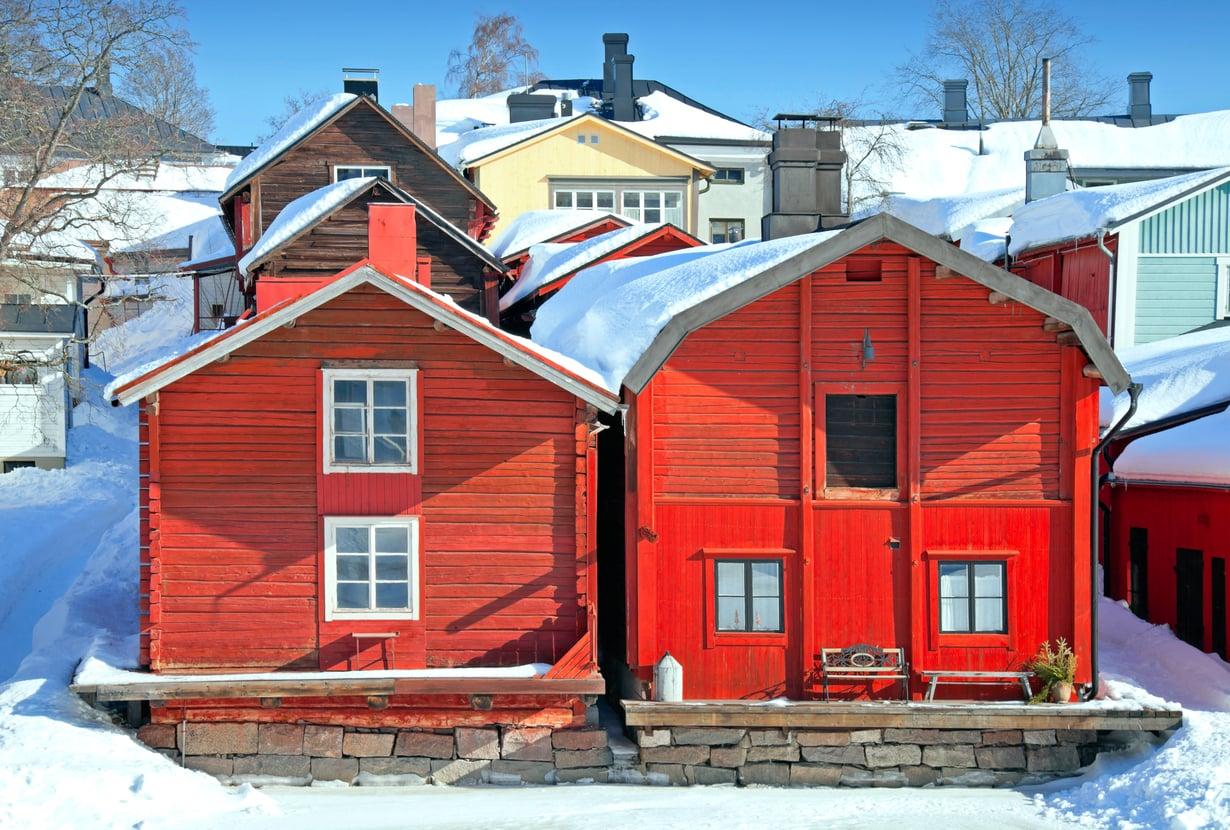 Porvoon tunnelmallinen vanhakaupunki vetää turisteja puoleensa ympäri vuoden. Kuva: Shutterstock