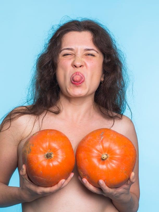 Valtaosa kyselyymme vastanneista näytti kieltä naisten rintojen seksualisoinnille.