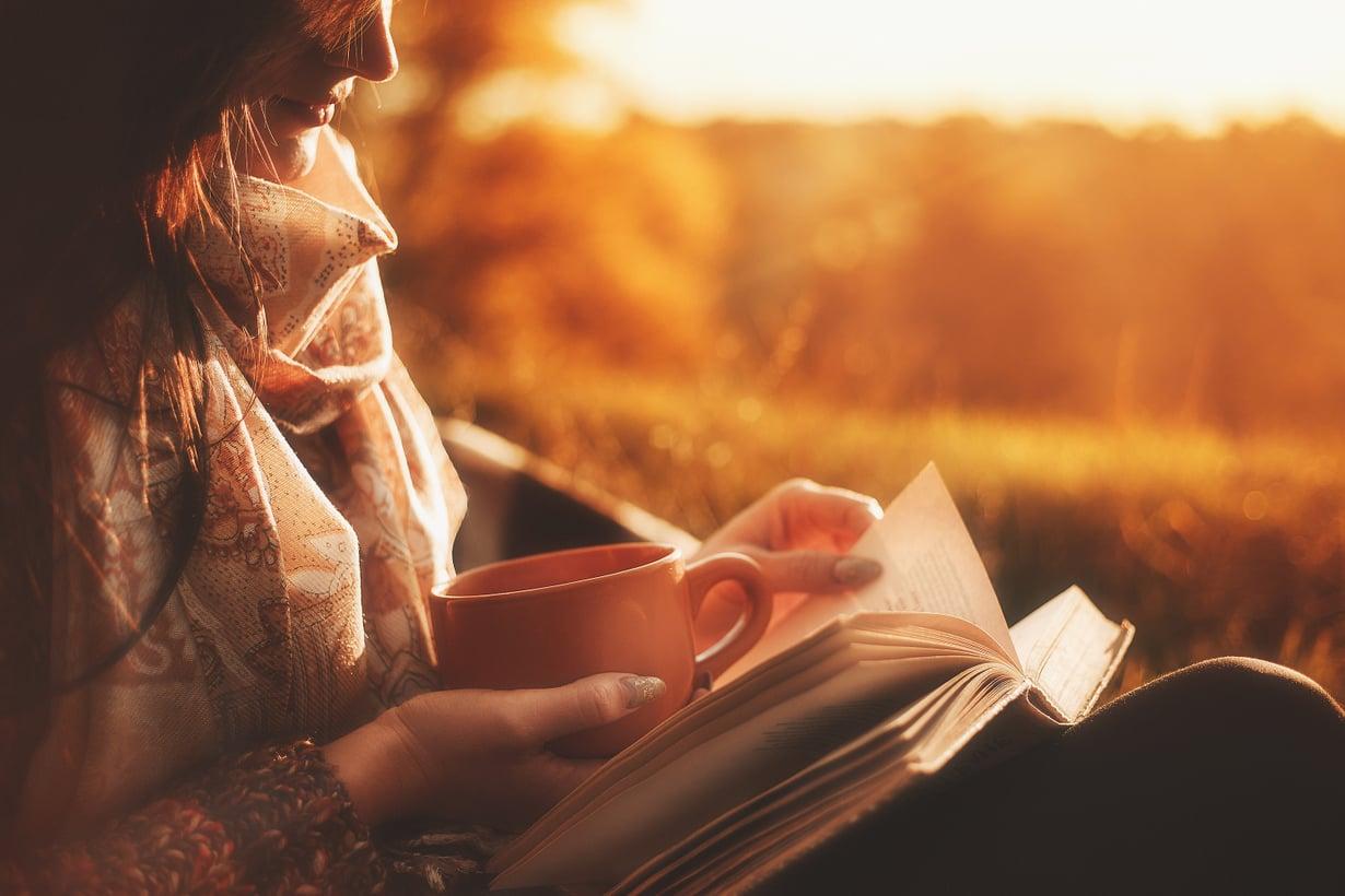 Syksu tulee ja tuo mukanaan rutkasti hyvää luettavaa. Kuva: Shutterstock