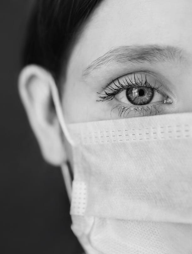 Yksityisiä sairaanhoitajia on ohjeistettu meikkaamaan töihin hyvän palvelukokemuksen takaamiseksi.