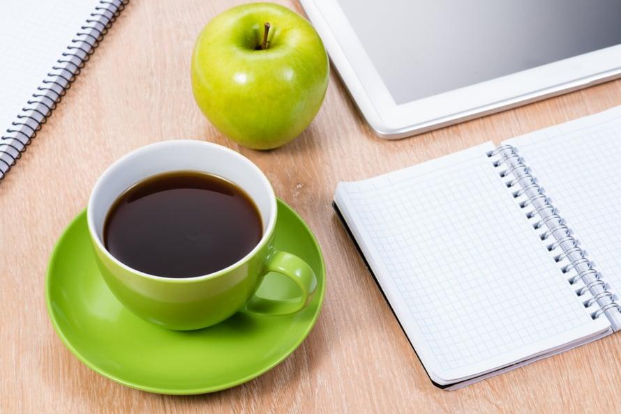 Kumman puoleen kääntyisit, kahvin vai ompun?