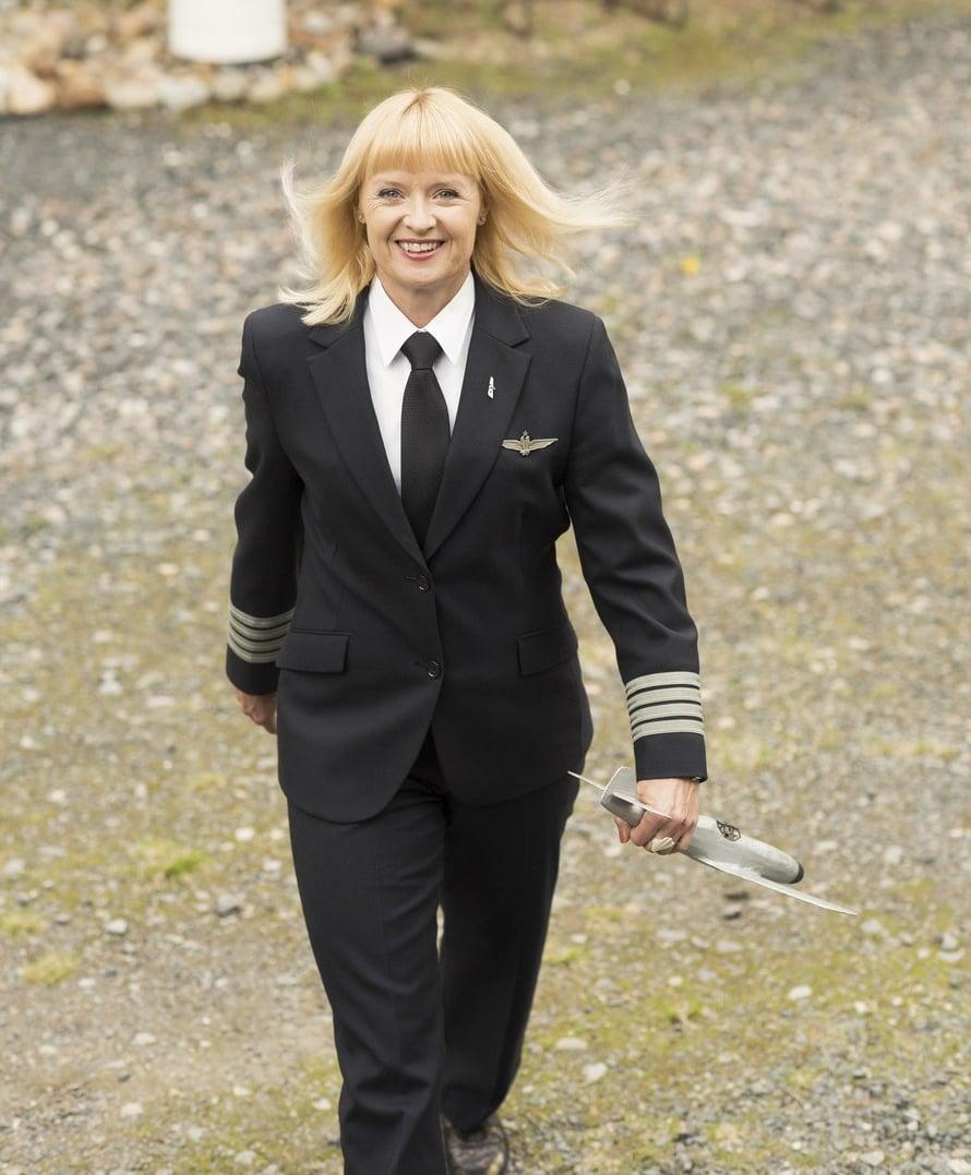 Lapsena Maritsa Lindroos leikki isänsä tekemällä lennokilla. Nyt hän lentää työkseen isoja matkustajakoneita.